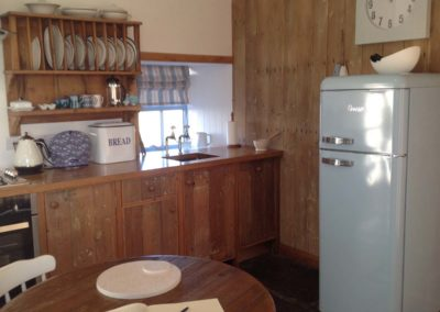 HLB_Kitchen and Fridge